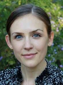 Laura-Bradshaw-headshot